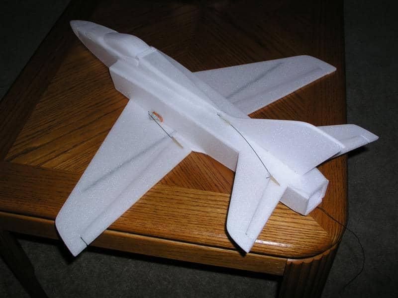 Xốp foam làm máy bay
